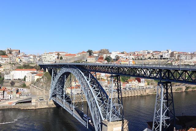 most v Portu