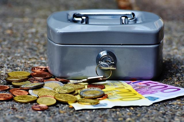 kasa a peníze