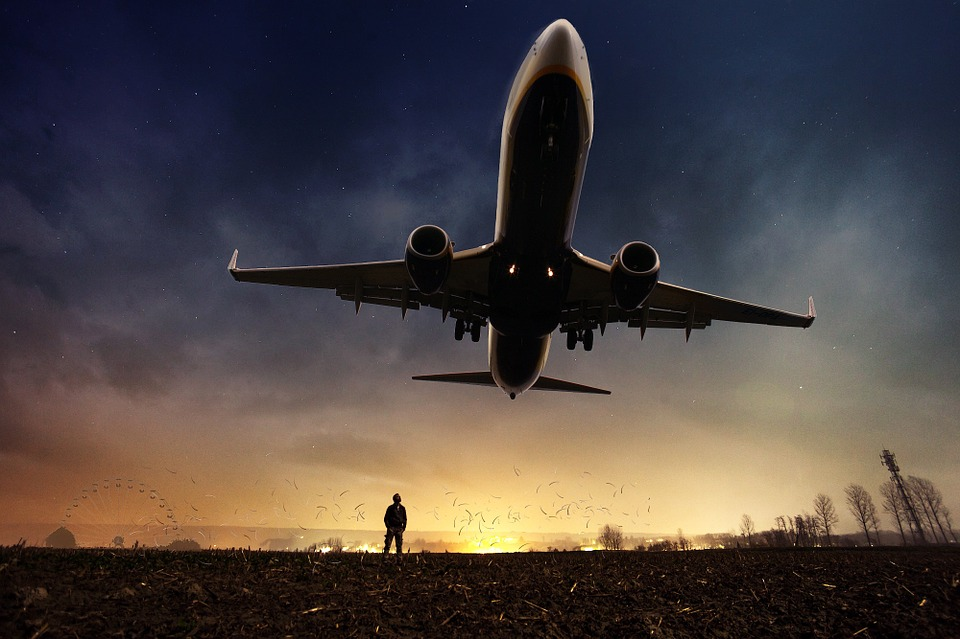 letadlo nad zemí